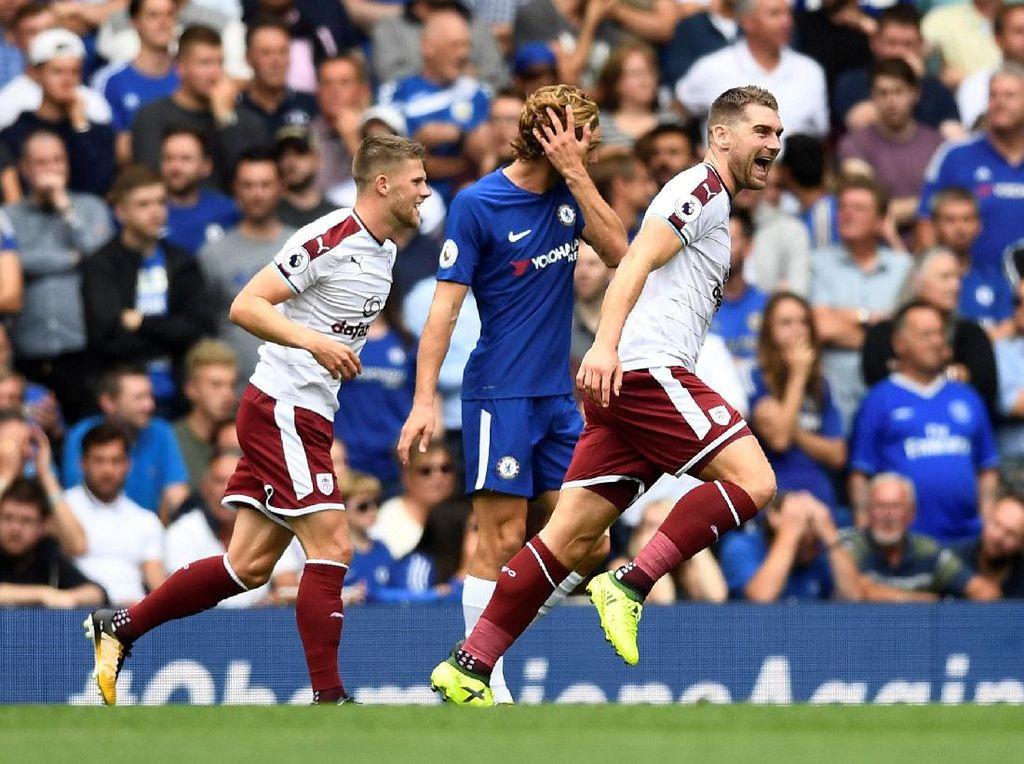 Chelsea Tertinggal 0-3 dari Burnley di Babak Pertama