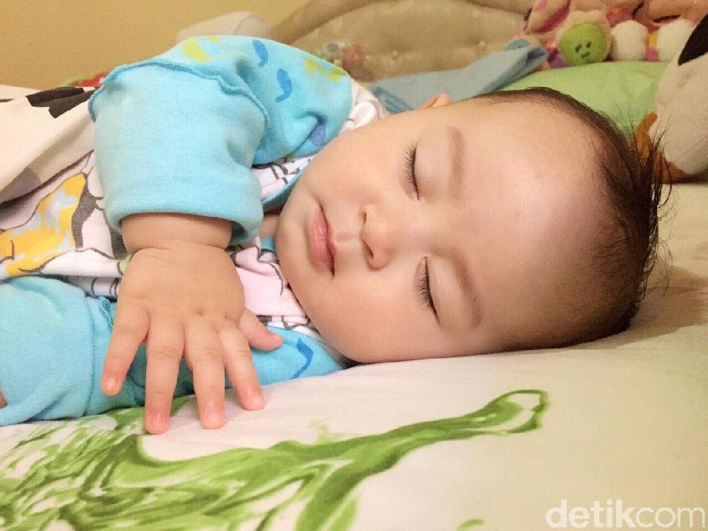 Bunda Perlu Tahu, Soal Latih Bayi Tidur Sendiri Pakai Metode Ferber