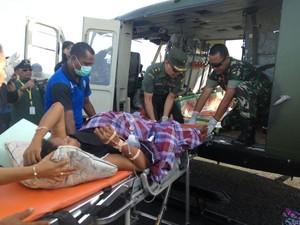 Tim Ekspedisi NKRI Evakuasi Ibu Melahirkan di Merauke dengan Heli