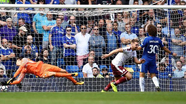 Cahill dan Fabregas Dikartu Merah, Chelsea Ditaklukkan Burnley