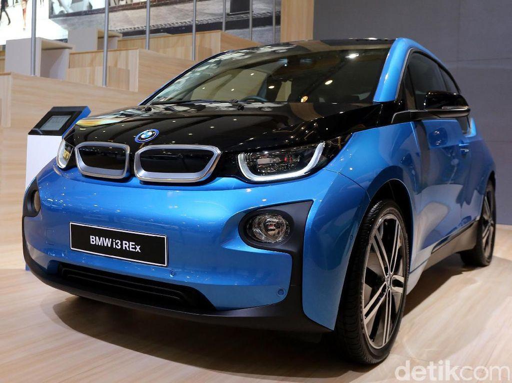 Ini Alasan BMW Tetap Pakai Mesin Bakar di BMW i3