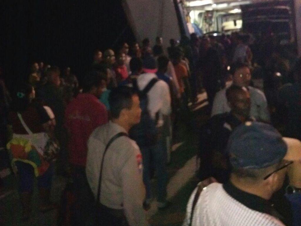 33 WN Sri Lanka yang Terdampar di Nias Dibawa ke Imigrasi Sibolga