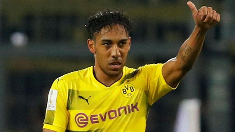 Hat-trick Aubameyang Loloskan Dortmund