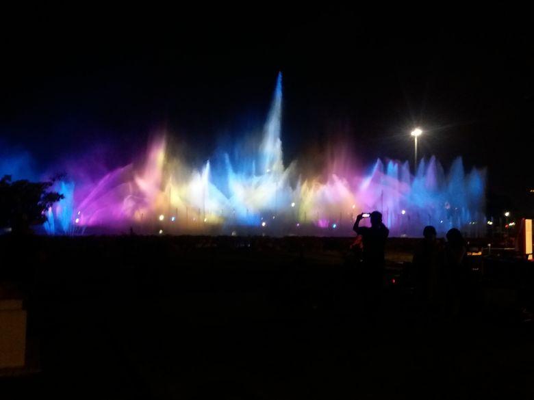 Pertunjukan Air Mancur Menari Monas Setiap Sabtu dan Minggu Malam