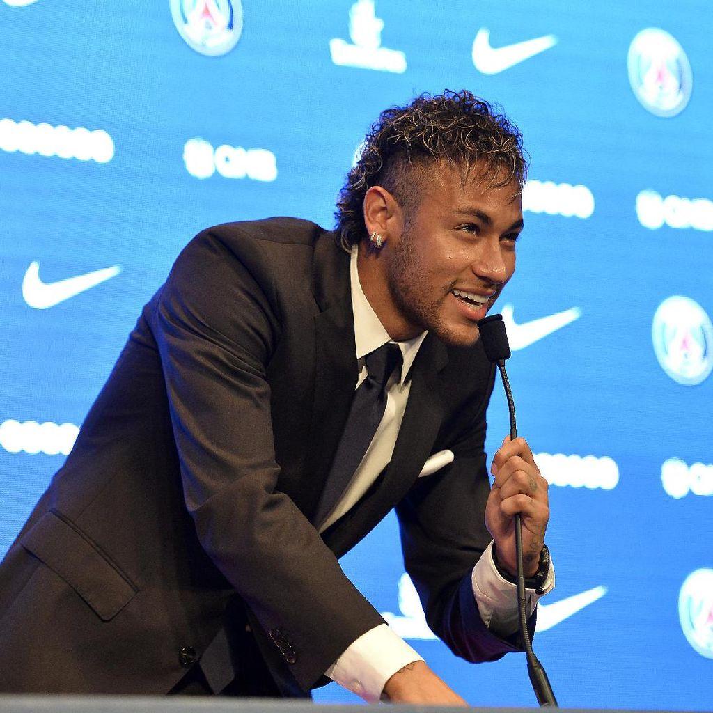Bos Bayern Sebut Nilai Transfer Neymar Berlebihan