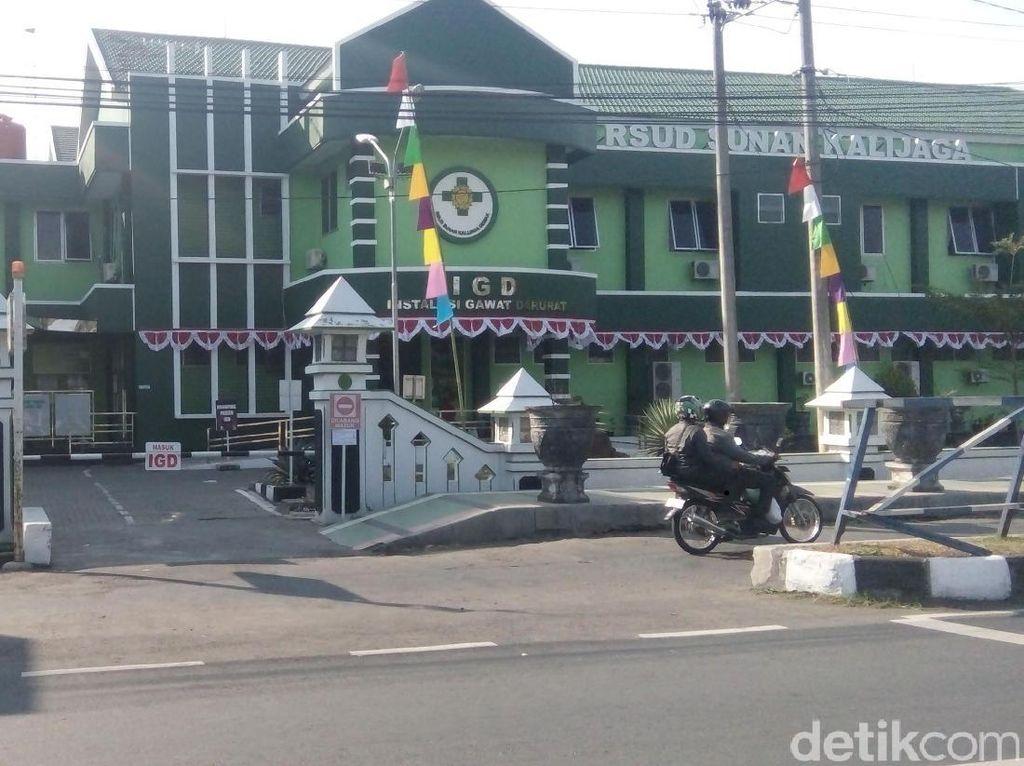 Diduga Lumpuh Akibat MR, Siswi Demak Dibawa ke RSUP Karyadi Semarang