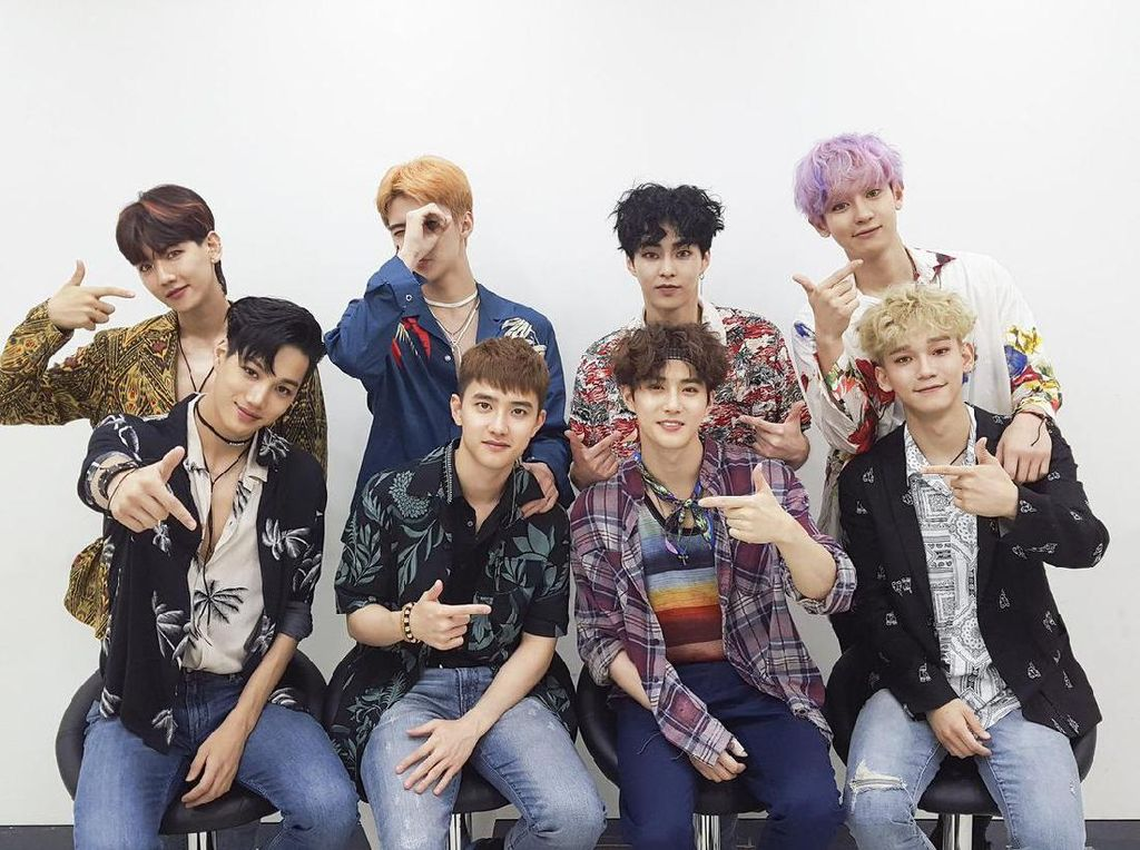 Presiden Korsel Hadiahi Kahiyang Video SHINee dan CD EXO