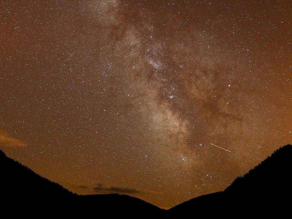 Potret Hujan Meteor di Berbagai Belahan Dunia