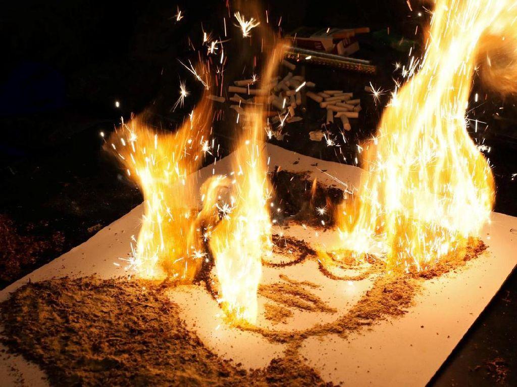 Potret Johnny Depp dari Tembakau yang Terbakar Jadi Karya Seni Unik