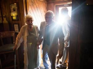8 Tahun Pacaran Belum Dinikahi, Nenek 98 Tahun Lamar Kekasih yang Lebih Muda