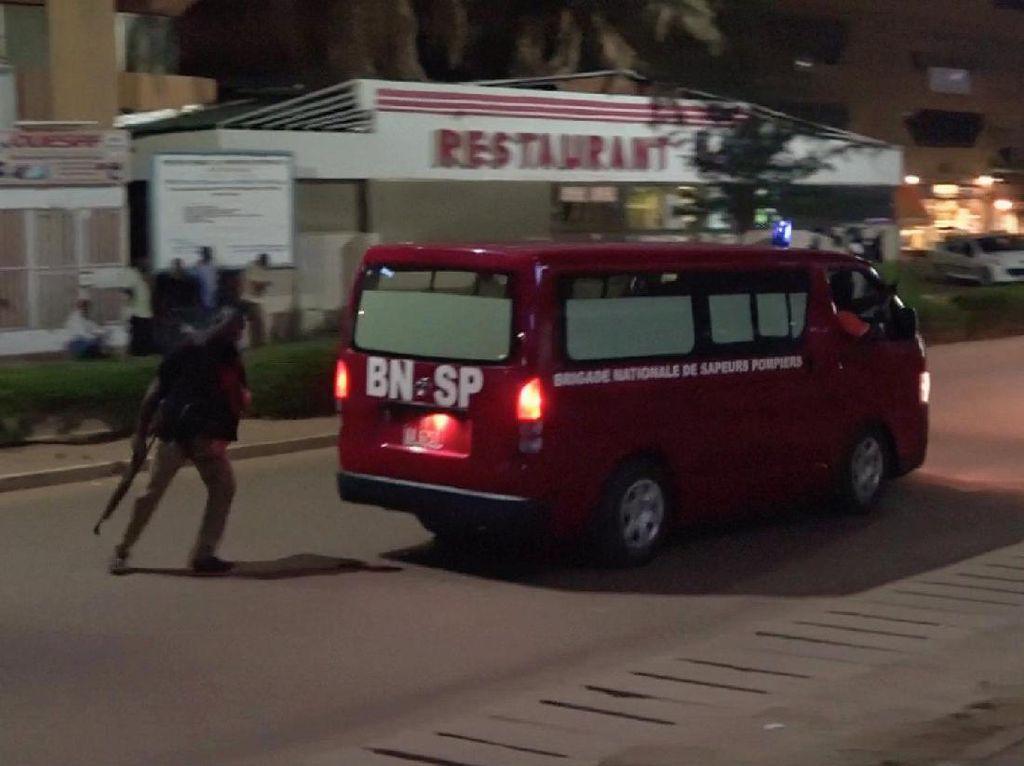 17 Orang Tewas dalam Penembakan Brutal di Restoran Burkina Faso