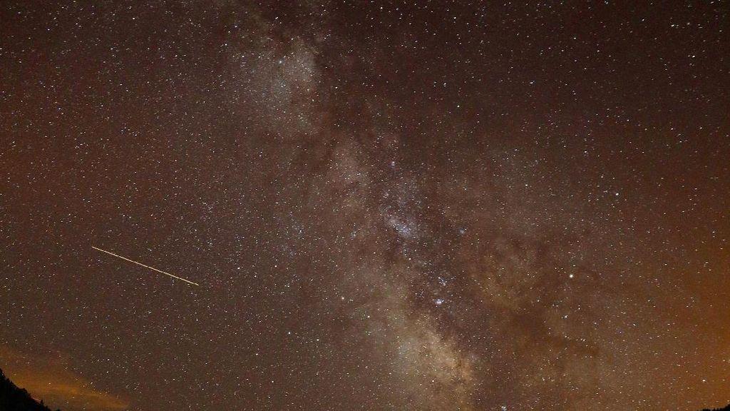 Foto Cantiknya Hujan Meteor Perseid, yang ke-7 Bikin Takjub