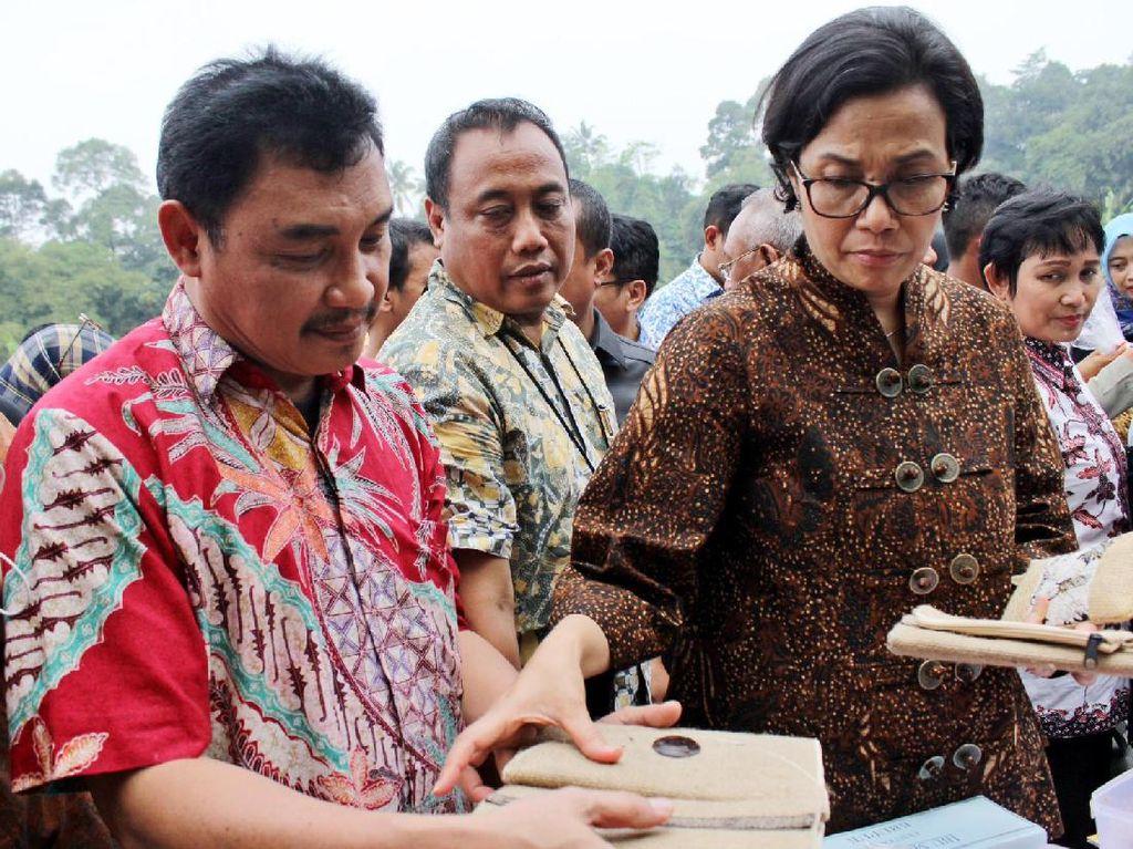 Sri Mulyani Tinjau Usaha Mikro di Bogor