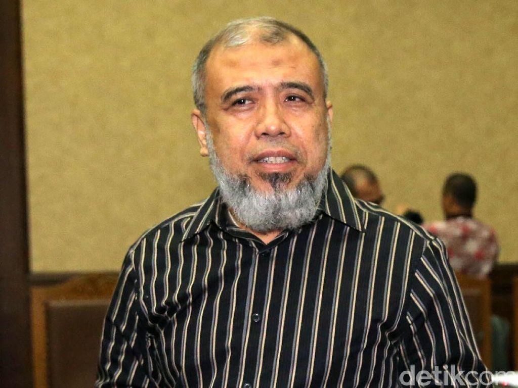 Foto: Begini Penampilan Patrialis Akbar Saat Ditangkap KPK hingga Vonis