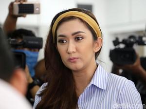 Soal Kasus Pedofil, Nafa Urbach Tutup Medsos Anak