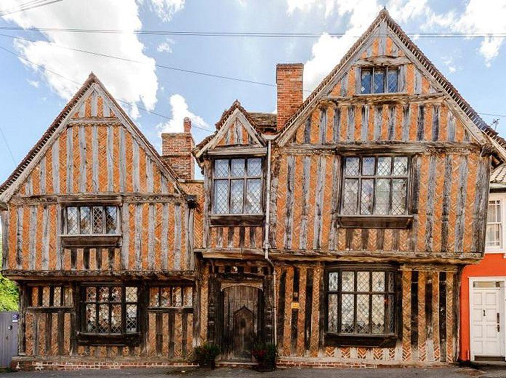 Foto: Rumah Masa Kecil Harry Potter yang Dijual