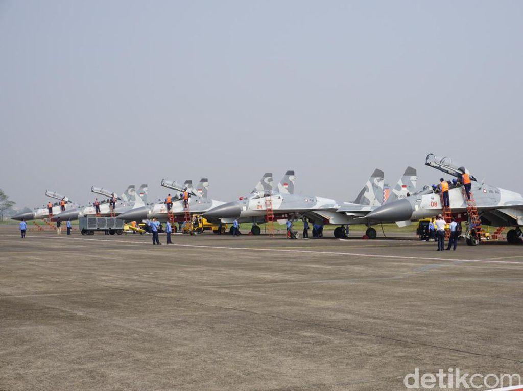 Jelang HUT RI, Sukhoi dan F16 Geladi Resik Flypass di Istana