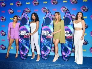 Foto: Seksinya Gaya Kompak Girlband Fifth Harmony di Karpet Merah