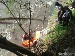 Mayat Pria Tua Necis Ditemukan Mengambang di Sungai Purworejo