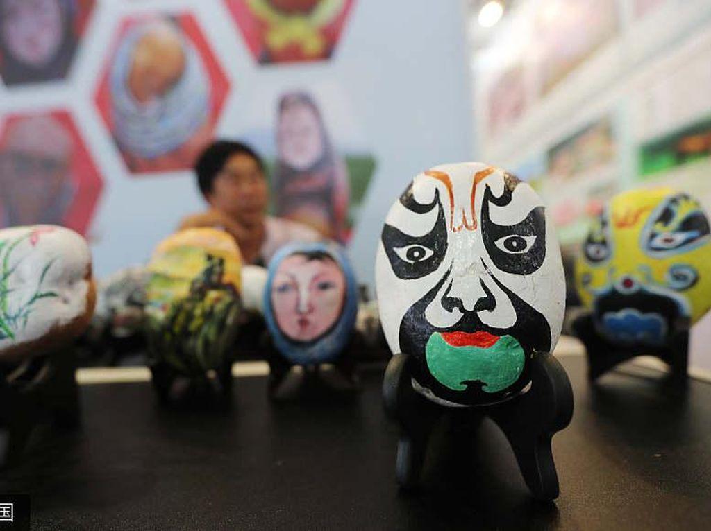 Yam Painting, Seni Melukis di Atas Kentang yang Populer di China