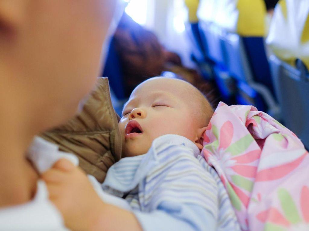 Kalau Anak Lahir di Pesawat, Kewarganegaraannya Apa Ya?