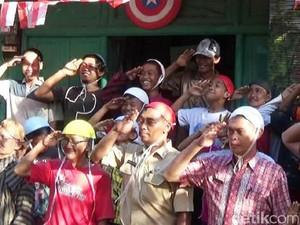 Rayakan HUT RI, Kakek-kakek di Purworejo Adu Kelereng