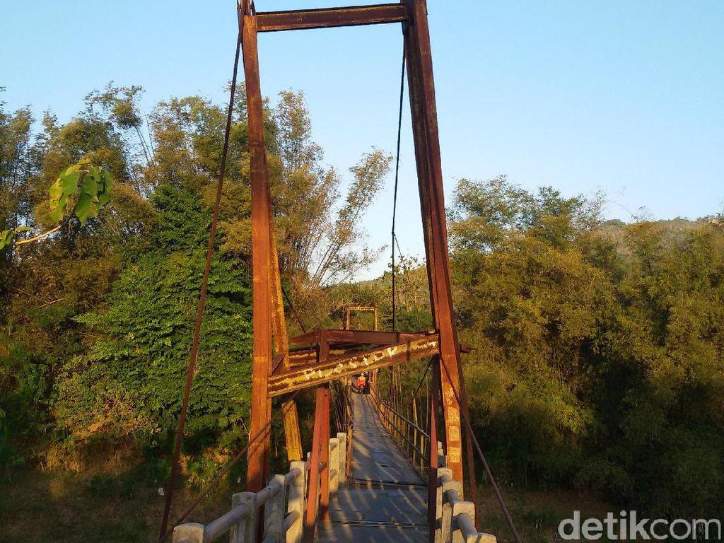 Jembatan Miring di Bantul Ini Heboh Dibicarakan di Media Sosial