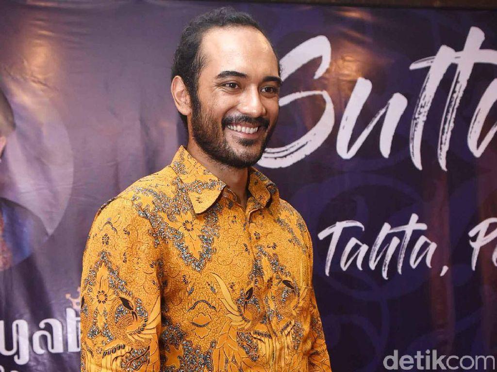 Istri Dukung Ario Bayu Kerja di Indonesia