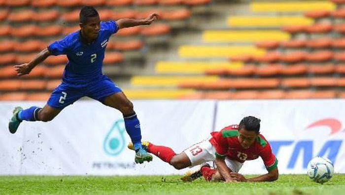 Pemain timnas Indonesia, Febri Haryadi. (Foto: Manan Vatsyayana/AFP)
