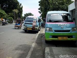 Tolak Transportasi <i>Online</i>, Angkot di Cirebon Masih Mogok Massal