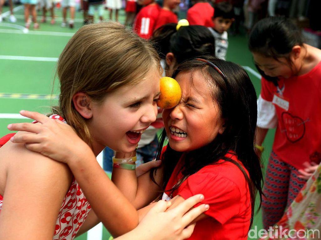 Ketika Anak-anak Bule Ikuti Lomba 17 Agustus