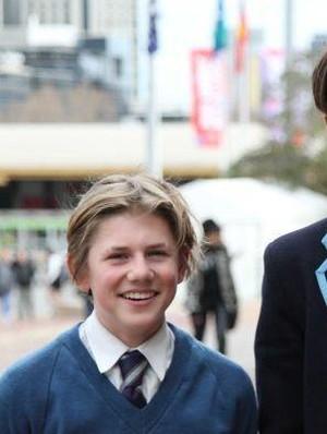 Pelajar Melbourne Belajar Tentang Indonesia Melalui Layar Perak