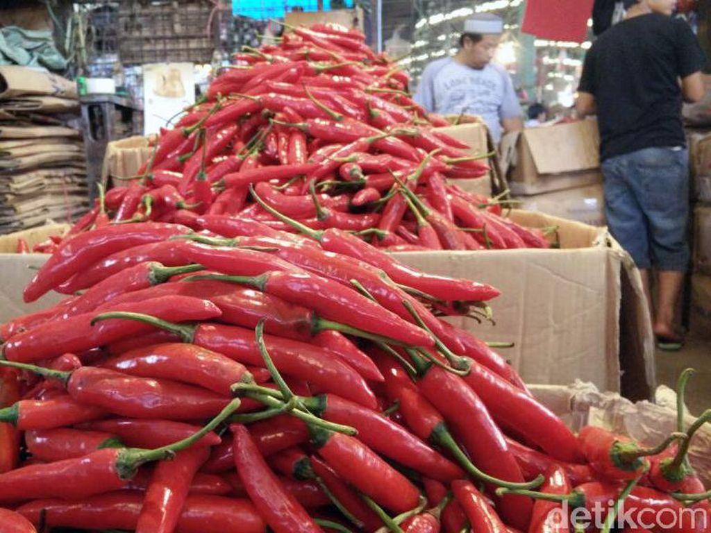 Inflasi Oktober 0,01% Akibat Kenaikan Harga Cabai Merah dan Beras