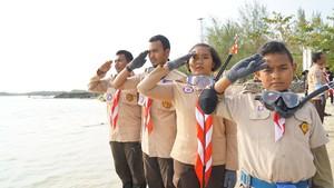 Laporan Upacara 17 Agustus di Bawah Laut Selat Sunda