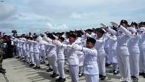 Cerita Marinir Latih Paskibra Cilik di Perbatasan