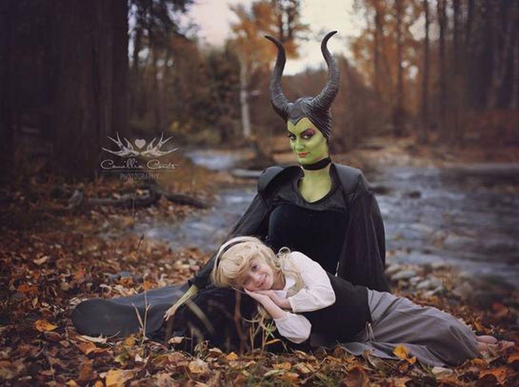 Foto: Cute! Ibu dan Anak Ini Jadi Disney Villain dan Rivalnya