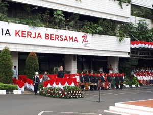 Gelar Upacara, Basuki dan Semua PNS Kementerian PUPR Berbaju Adat