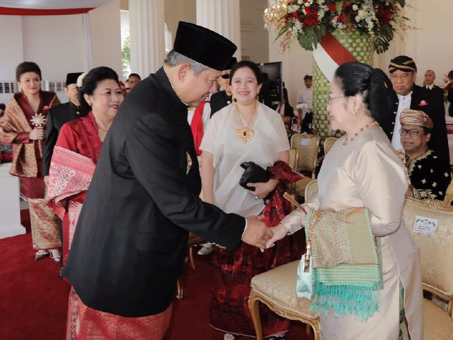 Foto: Momen Langka Salaman SBY-Megawati