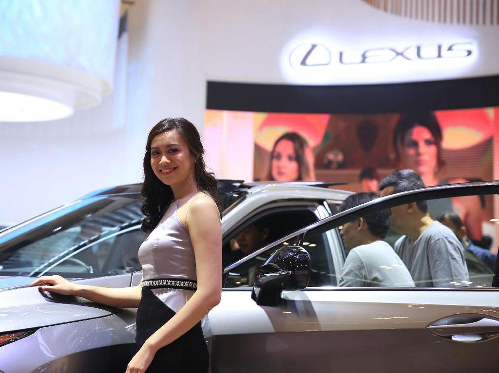 Wanita Cantik Tak Lagi Hiasi Pameran Otomotif?