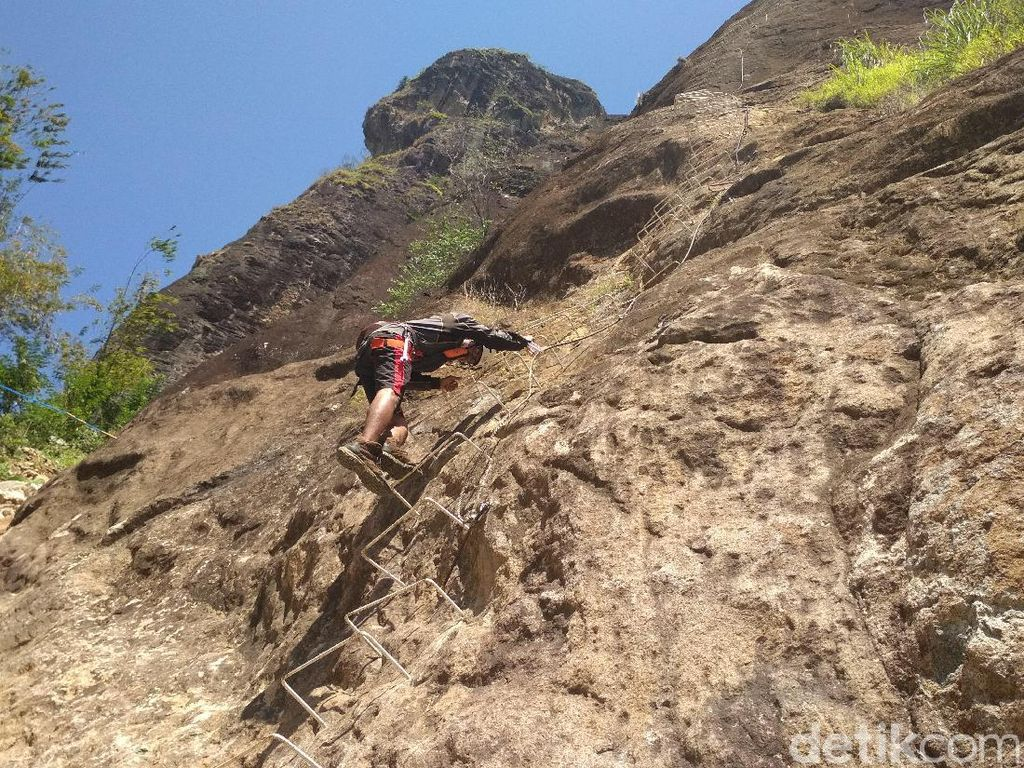 Panjat Dinding Via Ferrata Trenggalek Kedua di Indonesia