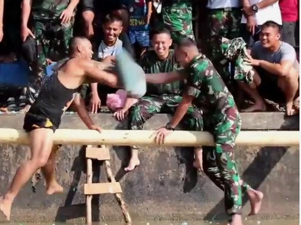 Nekat! Prajurit TNI Ini Gebuk Komandannya sampai Jatuh