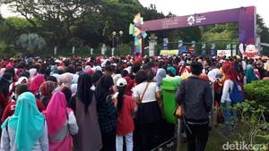 Penonton Countdown Asian Games Mulai Padati Pintu Monas