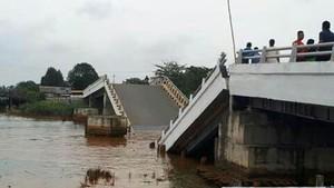 Foto Before-After Jembatan Senilai Rp 17 M di Kalsel yang Patah