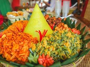 Disuguhkan dengan Beragam Lauk, Ini Cerita Dibalik Tradisi Nasi Tumpeng