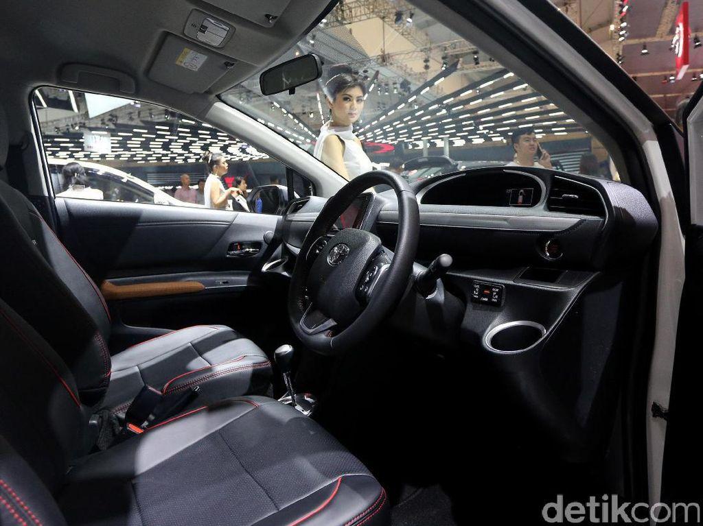 Kabin Mobil Sebaiknya Dibersihkan dari Asap Rokok 3 Bulan Sekali