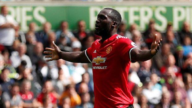Romelu Lukaku usai mencetak gol ke gawang Swansea City
