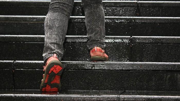 Naik dan turun tangga, olahraga sederhana yang baik untuk kesehatan. (Foto: thinkstock)