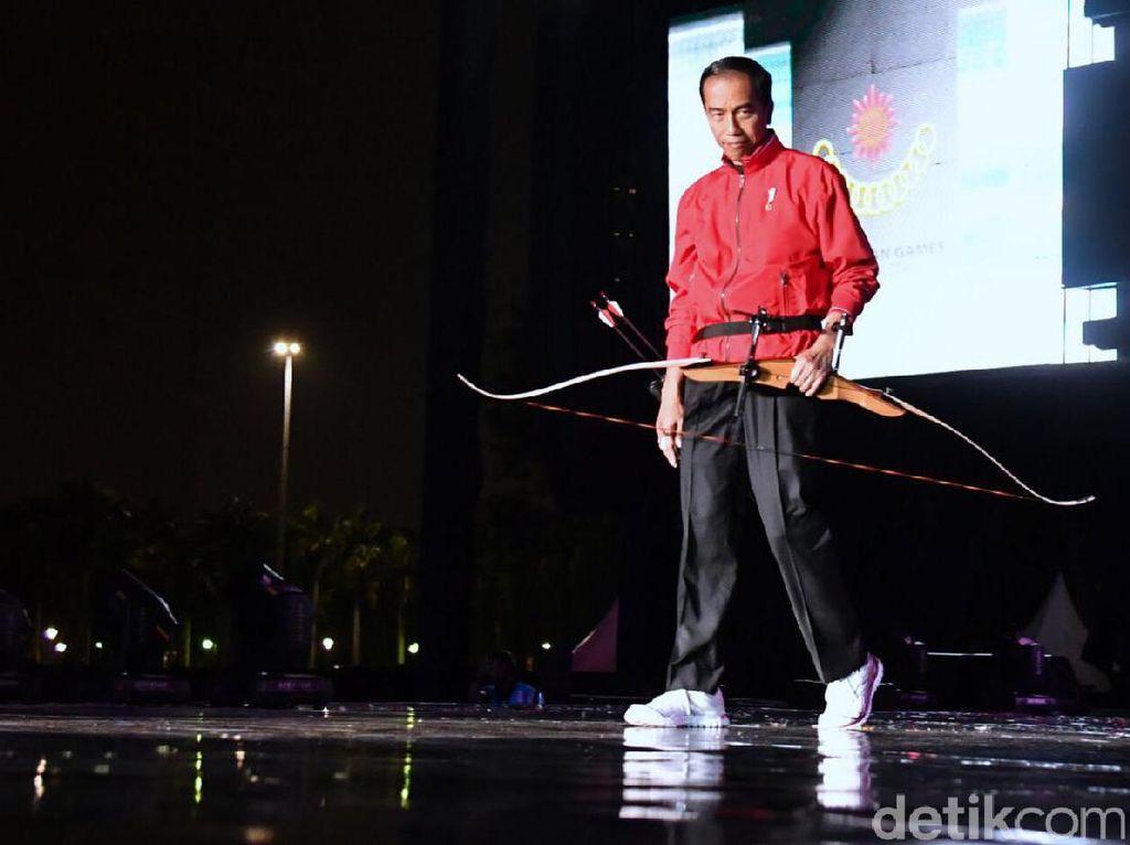 Hadiri Countdown Asian Games 2018, Presiden Jokowi Kenakan Jaket Merah