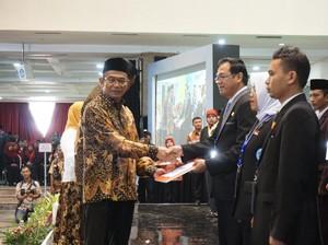 Mendikbud Beri Penghargaan kepada 108 GTK Berprestasi