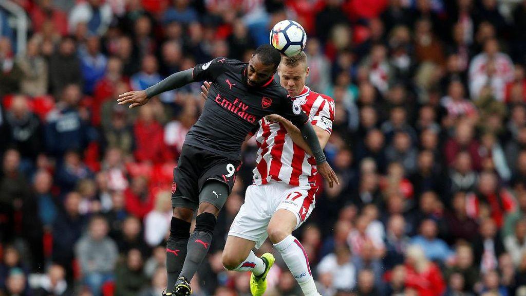 Stoke vs Arsenal Belum Ada Gol